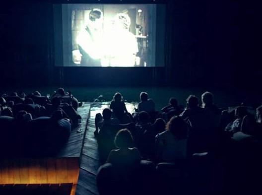 Смотреть всем: обзор самых необычных кинотеатров со всего мира