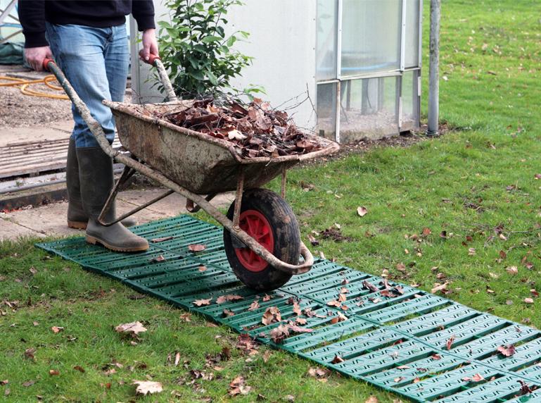 Удобная дача: садовые дорожки на даче своими руками