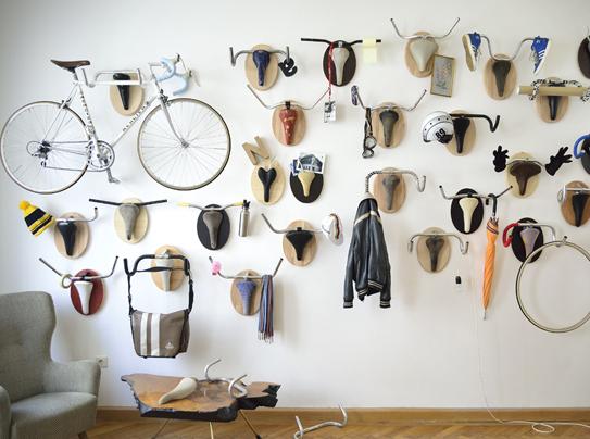 На колесах: способы хранения велосипеда в квартире