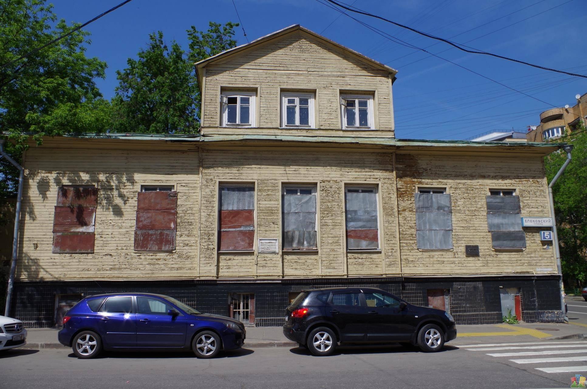 На Елоховском переулке началась реставрация образца деревянной допожарной архитектуры Москвы