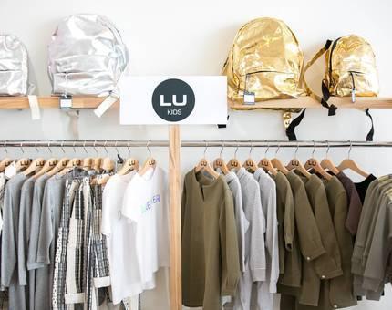 В ЦДМ на Лубянке открылось четыре новых магазина - Фото