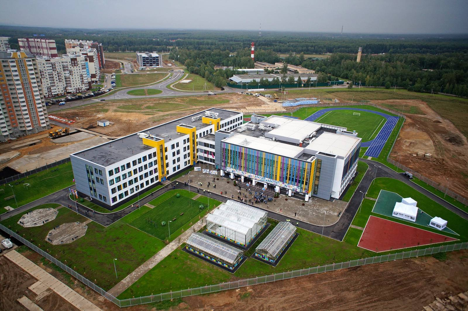 В этом году в Москве возведено 15 школ и детсадов