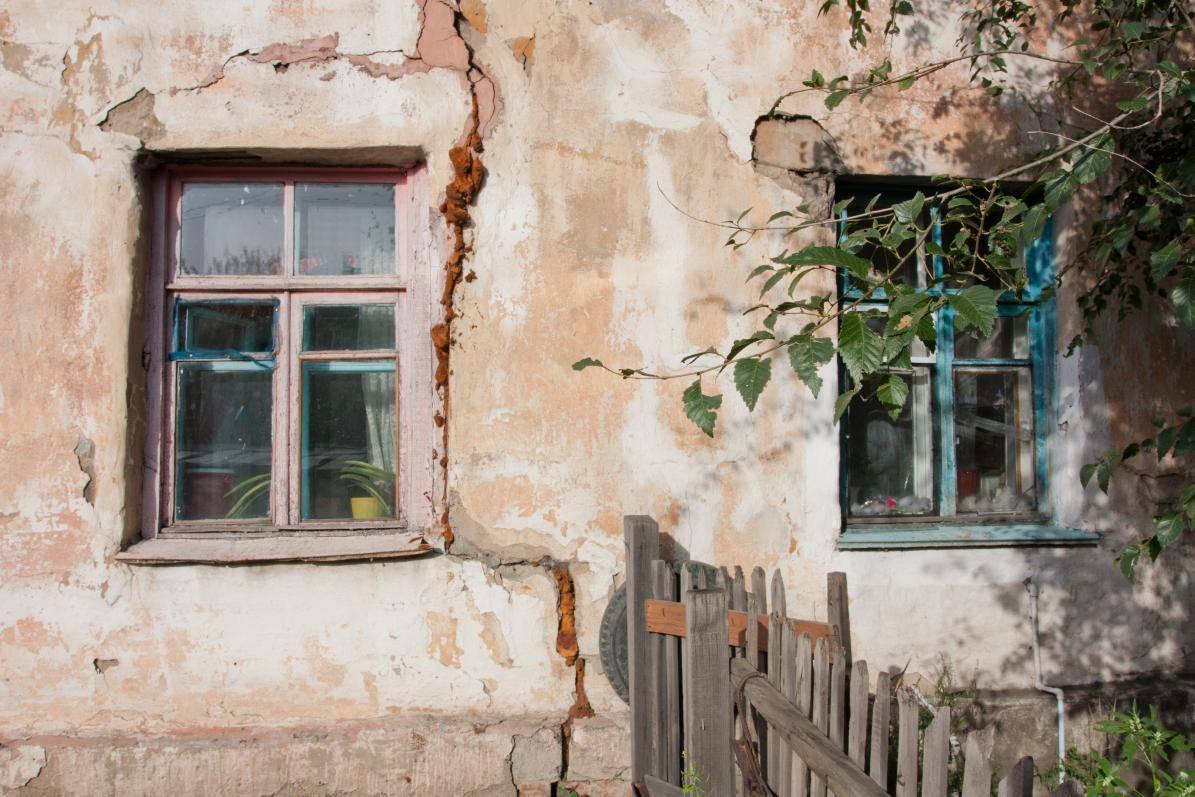 Путин выступил против расширения списка ветхого жилья