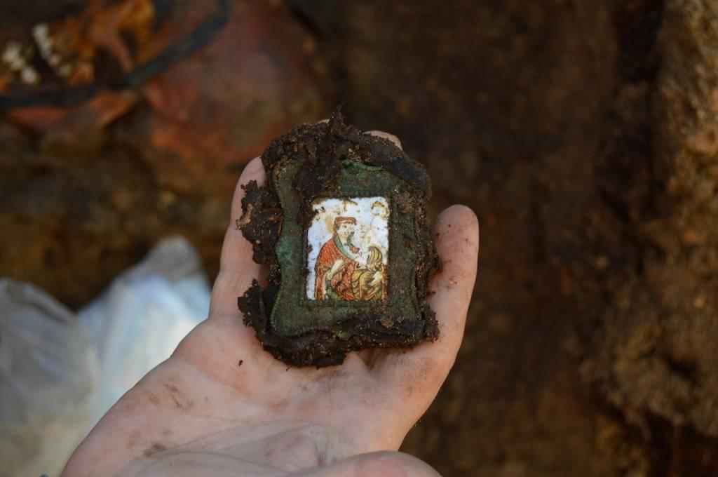 В центре Москвы обнаружено надгробие семьи Римских-Корсаковых