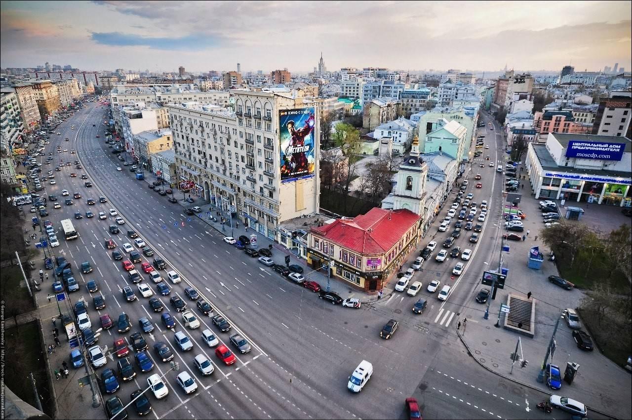 Порядка 130 новых парковочных мест появилось на Садовом кольце