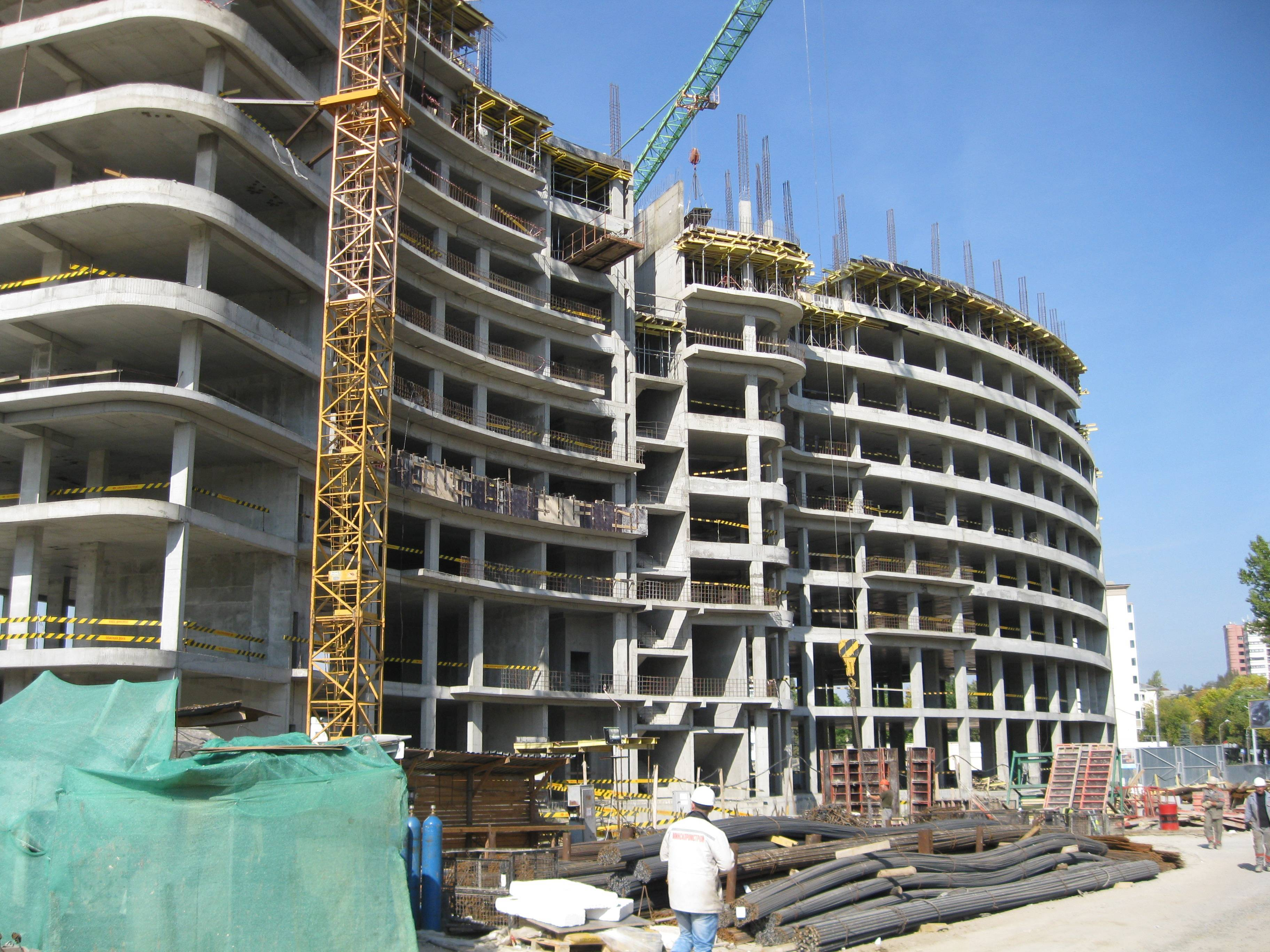 В Сочи обнаружили десятки незаконно строящихся жилых комплексов