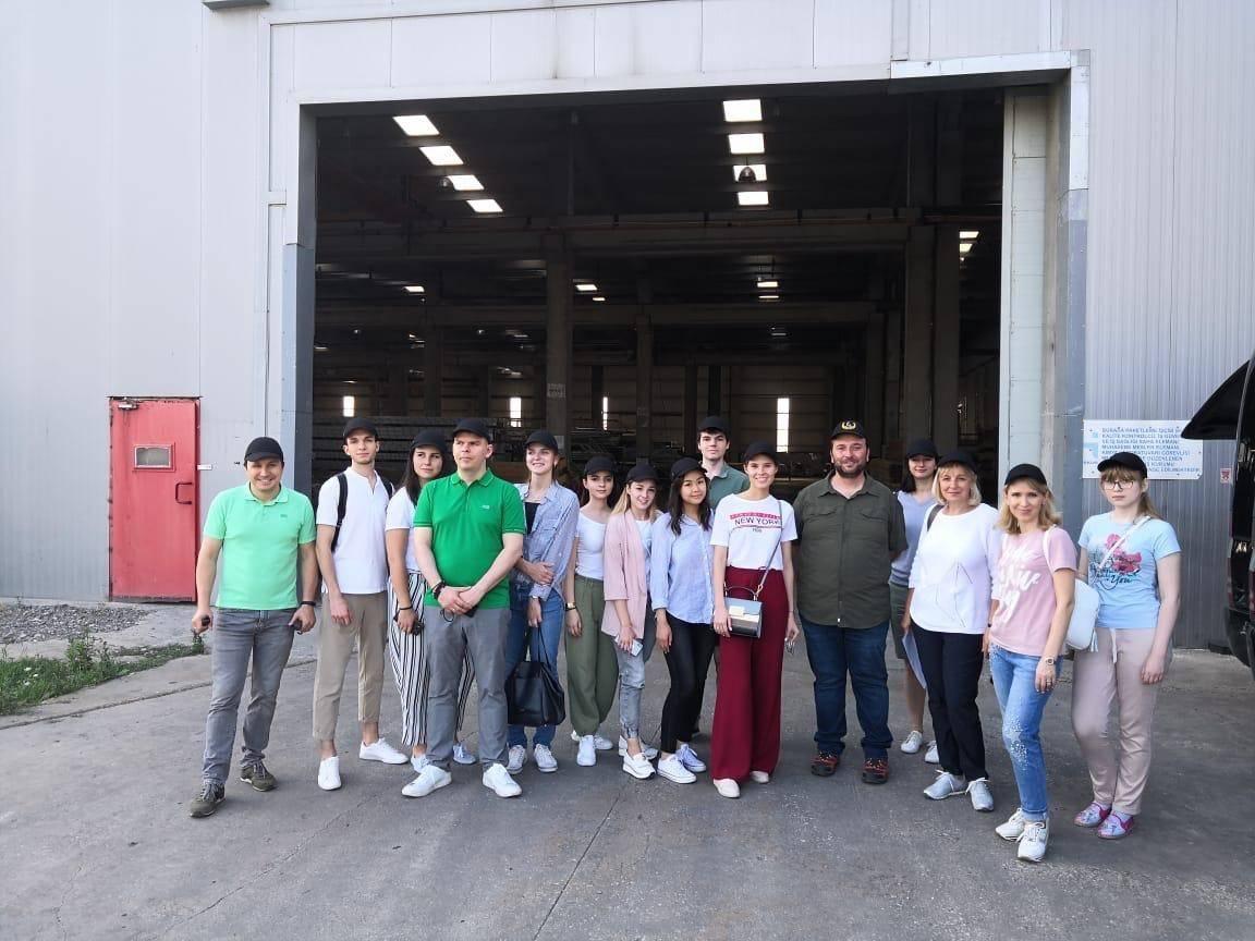 Студенты базовой кафедры «Управление проектами и программами Capital Group» РЭУ им. Г.В. Плеханова посетили штаб-квартиры турецких производителей