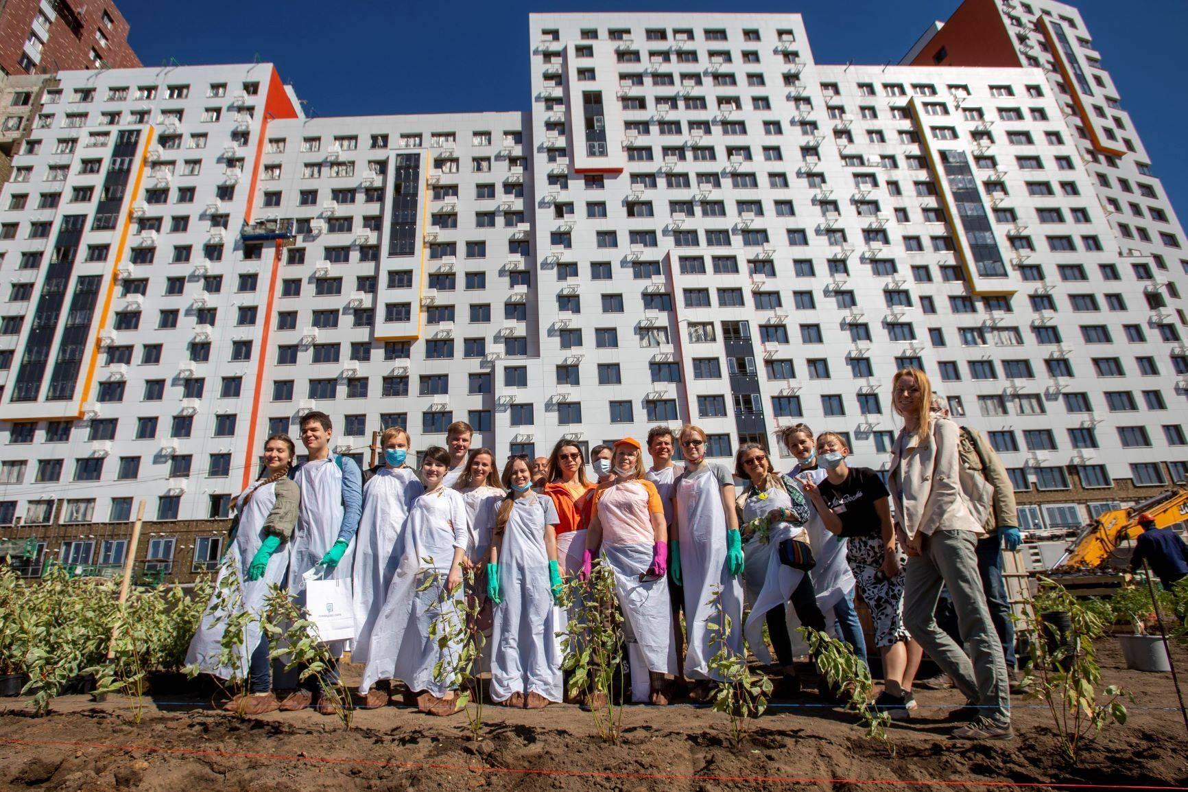 В ЖК «Румянцево-Парк» состоялось масштабное мероприятие для дольщиков  «Посади свое дерево»