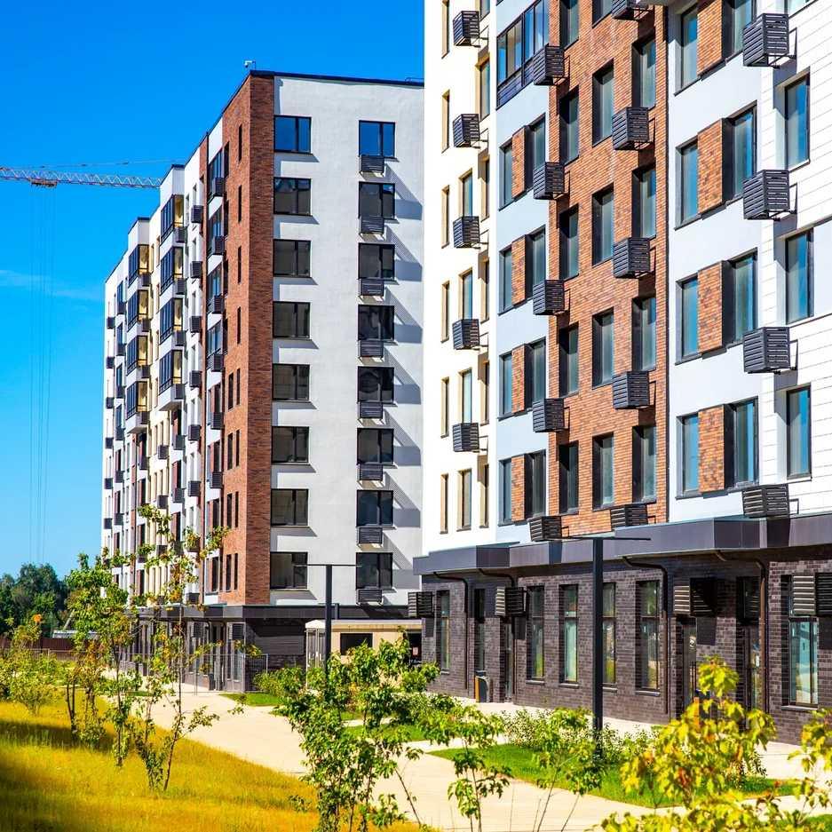 Более 200 семей получили ключи от квартир во введенных домах  ЖК «Испанские кварталы»