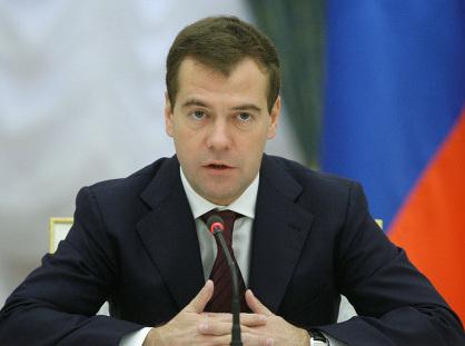"""Медведев призывает МВД  бороться с нарушениями в сфере ЖКХ  """"невзирая на лица"""""""