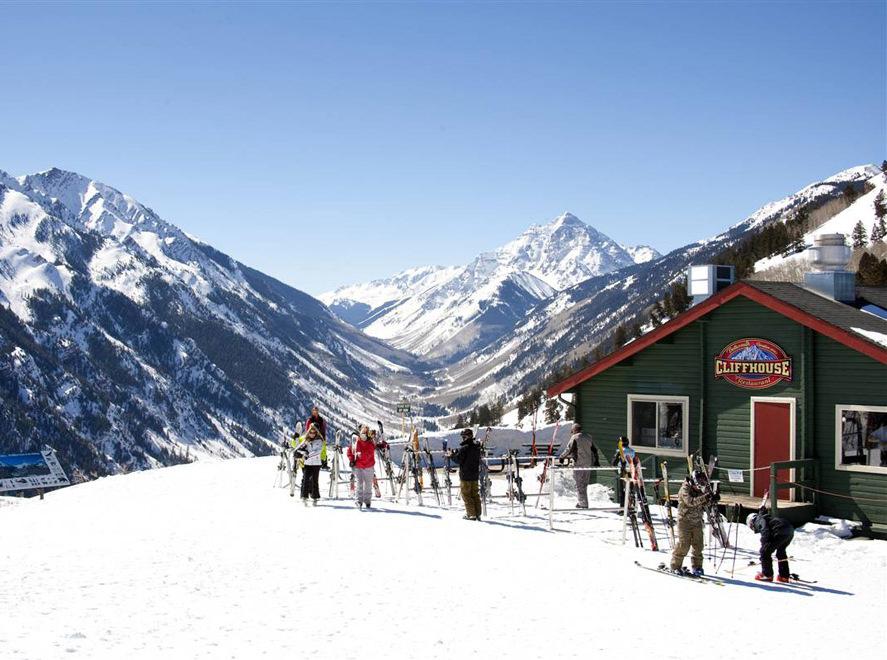 Спрос на недвижимость горнолыжных курортов у россиян возрос на 65%