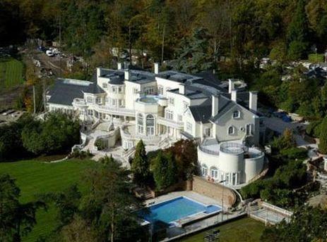 Владельцы дорогих домов в Великобритании будут платить налоги