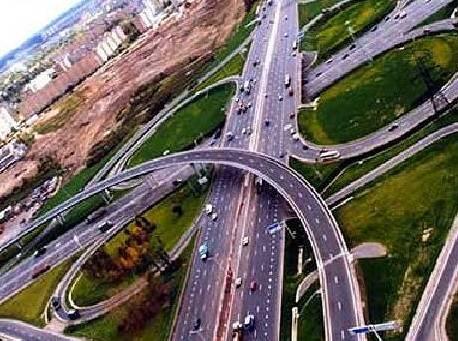 Москва отложит строительство некоторых дорог в пользу новых поликлиник