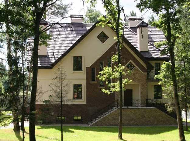 Загородные дома выбирают по соседям и месту расположения