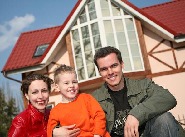 """ФЦП """"Жилище"""": Каждая третья семья в РФ сможет купить квартиру к 2015 году"""