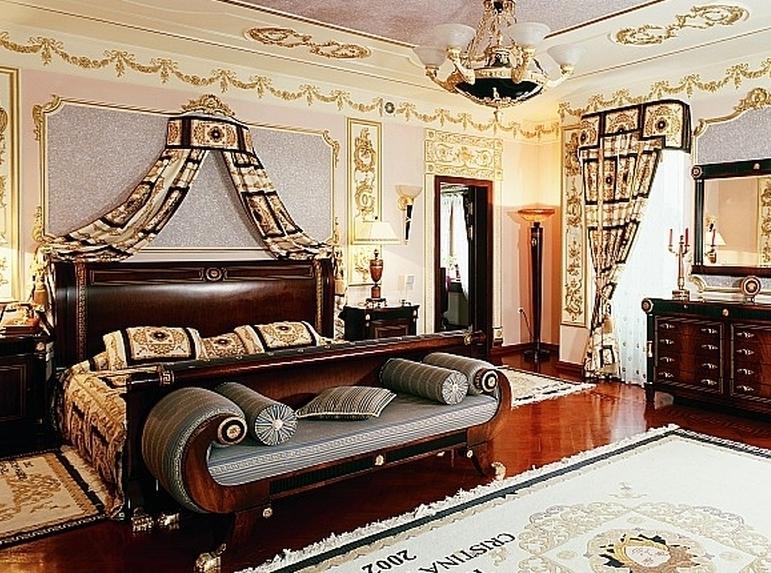Шесть из десяти элитных квартир и особняков в Москве сдаются за доллары