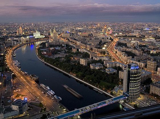 Эксперты: Рублевые цены на жилье в Москве расти не будут
