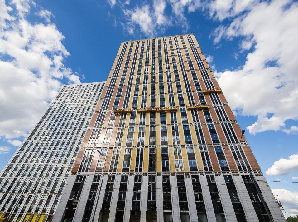 Монтаж фасадов жилого квартала «Водный» завершен на 90%