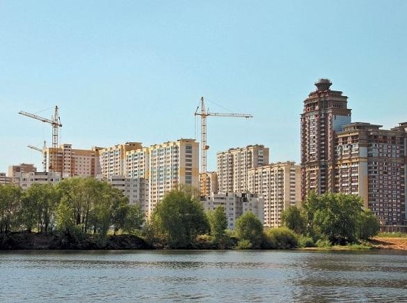 Спрос на подмосковное жилье упал на 40%