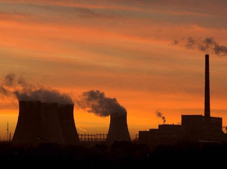 На потерях электроэнергии и тепла Россия теряет по 600 млрд рублей в год