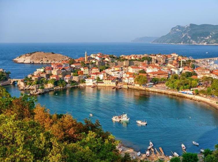 Россияне продолжают покупать в Турции квартиры и дома