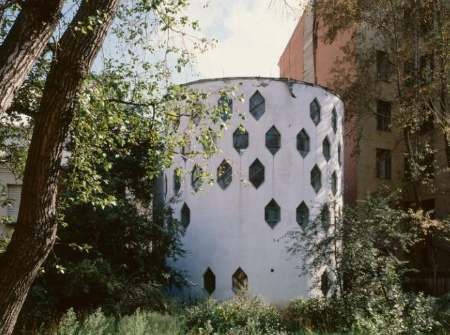 Дом Мельникова сделают музеем несмотря на кризис
