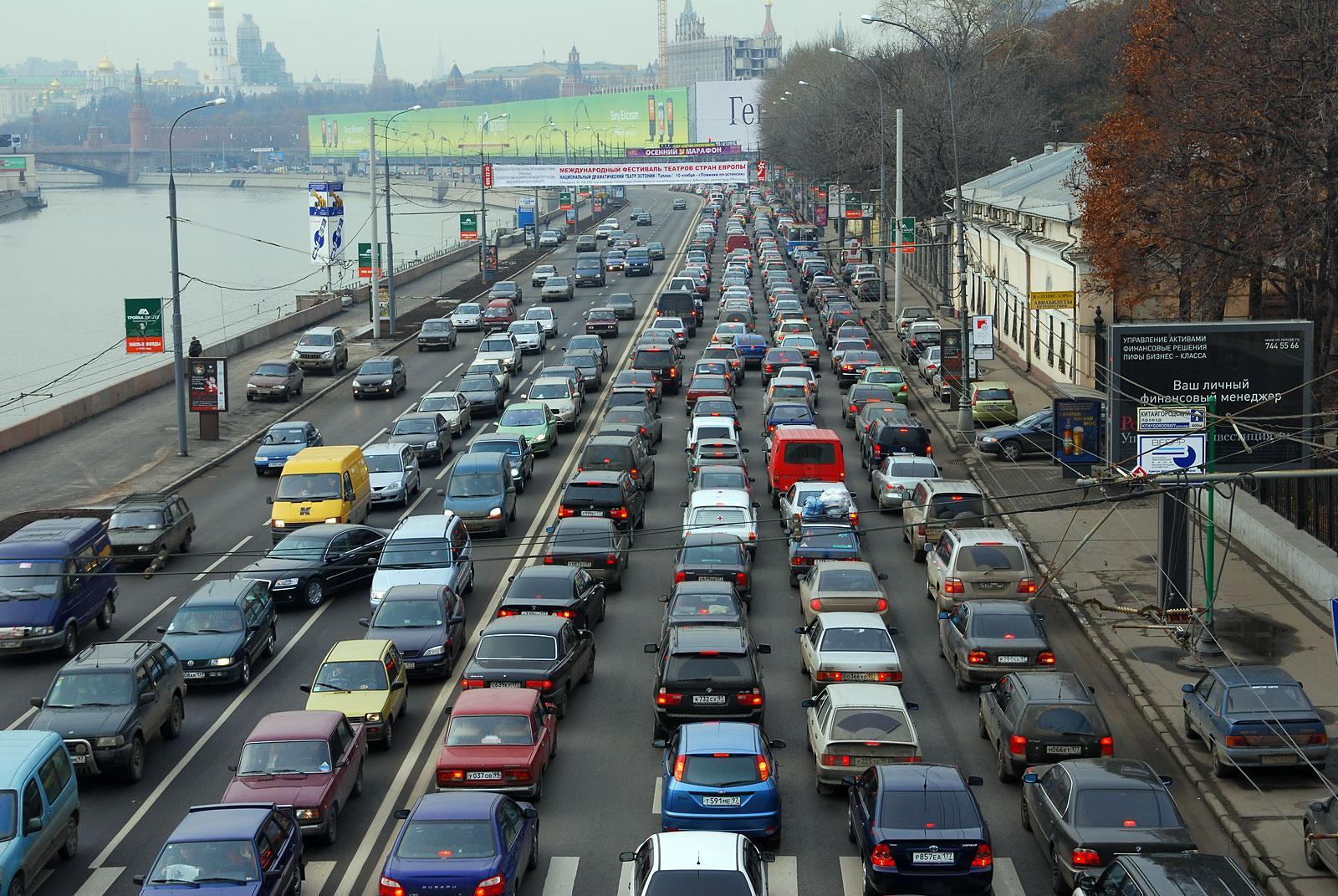 Общественному транспорту в Москве выделят «Кремлевское кольцо»