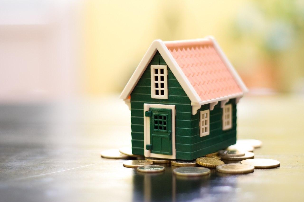 Семья москвичей может накопить первоначальный взнос по ипотеке за год