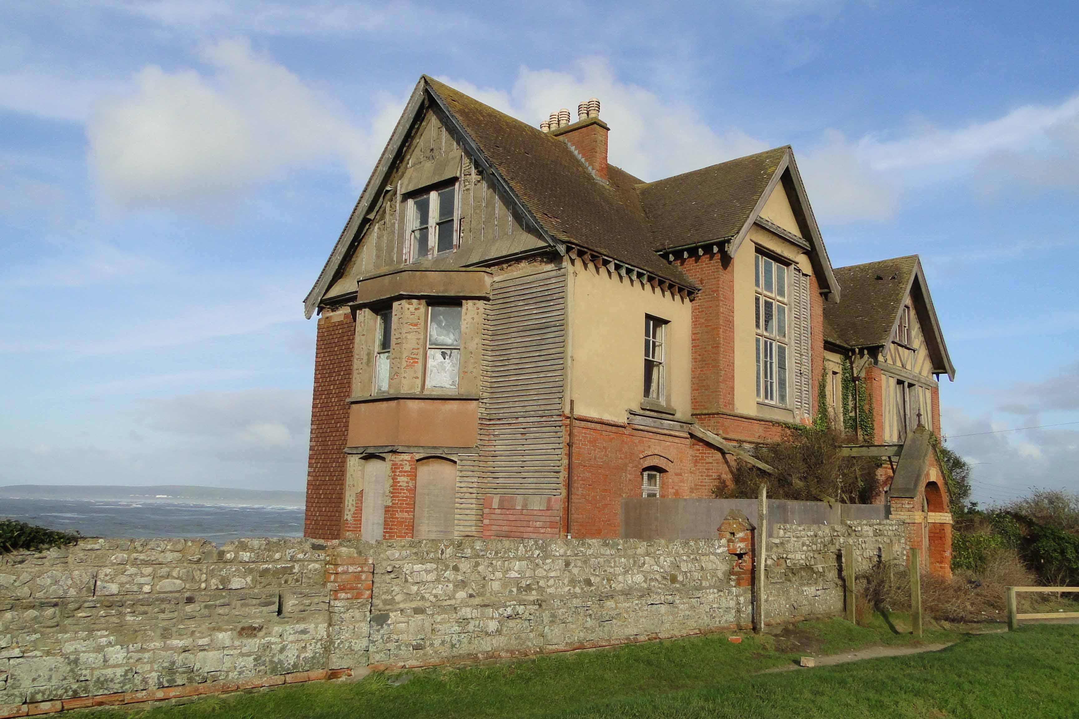 В Англии продают популярный в соцсетях «дом с привидениями»