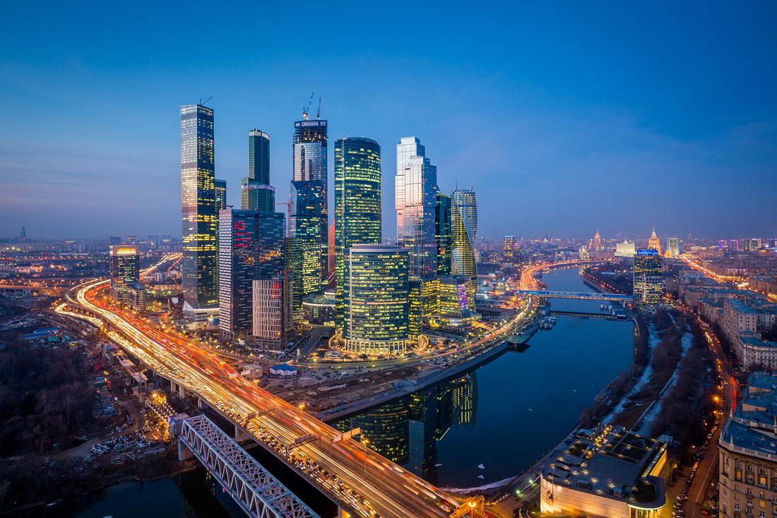 Аренда офисов в «Москва-Сити» подешевела в полтора раза