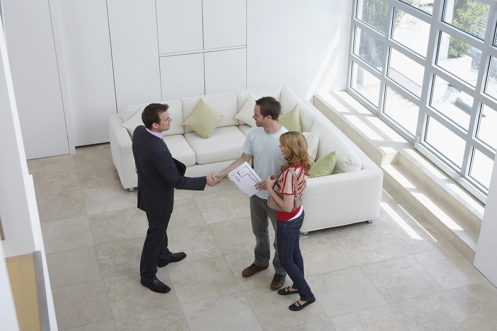 В Москве квартиры продают с арендаторами