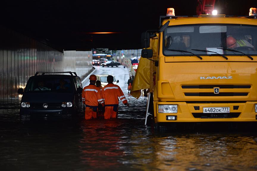 Из-за подтопления в Москве перекрывали Арбатский тоннель